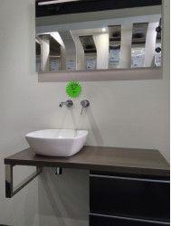 Outlet Complete badkamermeubel met spiegel en wasmeubel op = op!